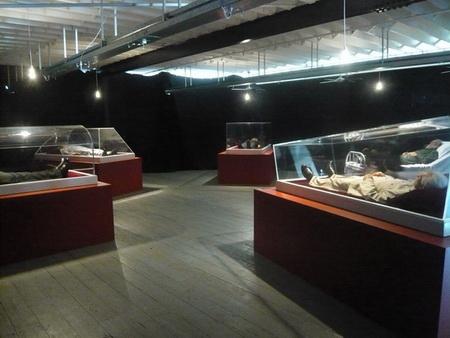 Shen Shaomin, Summit 2009 - 2010, Installation, Osage Art Foundation Collection