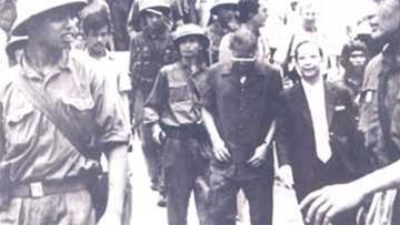 """"""" Tổng Thống """" Dương Văn Minh & """" Thủ Tướng """" Vũ Văn Mẫu : Nội các 1 ngày cuối cùng của Viet Nam Cộng Hòa"""