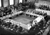 Hiệp định Genève 1954 là hiệp định đình chiến được kí kết tại thành phố Genève, Thụy Sỹ để khôi phục hòa bình ở Đông Dương.