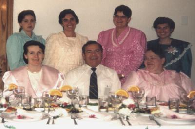 Gia đình 6 bà vợ của Warren Jessop