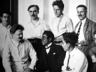Lev Trotsky và Nguyễn Ái Quốc năm 1924 ở Moskva