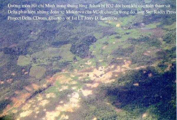(Đường mòn HCM trong Mật khu Ashau sau khi bị B.52 dội bom)