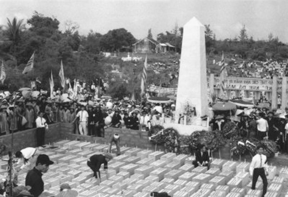 (Nghĩa Trang & Đài Tưởng Niệm Đồng Bào bị Việt cọng sát hại trong Tết Mậu Thân tại Nha Trang)