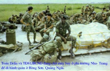 (Thám Sát Delta và Tiểu Đoàn 91 BCD chờ máy bay ở Phi Trường Nha Trang để đi Hành Quân ở mật khu An Lão)