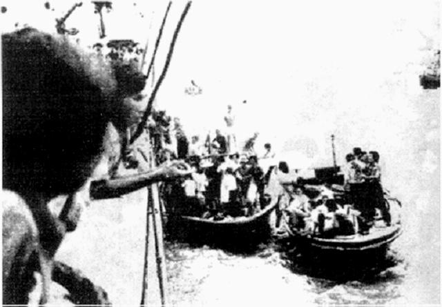Họ đã bị bắt, bị bắn và không biết bao nhiêu người đã bỏ thây trên biển cả. Một cảnh đồng bào vượt biên.