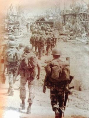 Chiến trường An Lộc 1972. Hình chụp từ sách của Lê Đắc Lực.