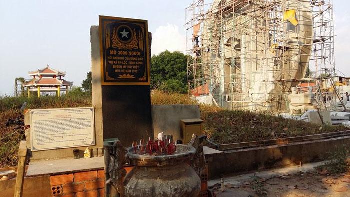 Nguyễn Văn Quờn – Bình Long viếng mộ