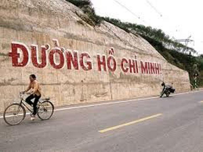 Thiện Tùng – Đường Hồ Chí Minh trên sông thay vì trên bộ