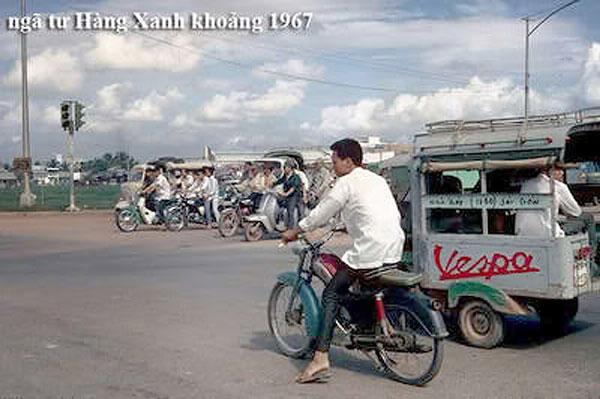 Xe lam hiệu Vespa xuất hiện ở Sài Gòn năm 67 – Nguồn: Mannupweb