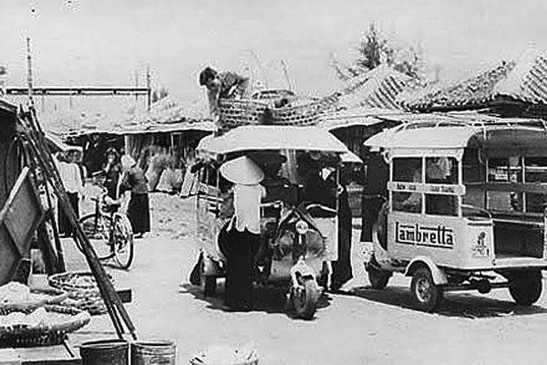 Xe lam thổ mộ phần đầu không có cabin xuất hiện đầu thập niên 50 tại vùng ven Sài Gòn – Nguồn: Anhxuasg