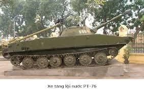 Xe tăng lội nước PT76 do Ba Lan viện trợ