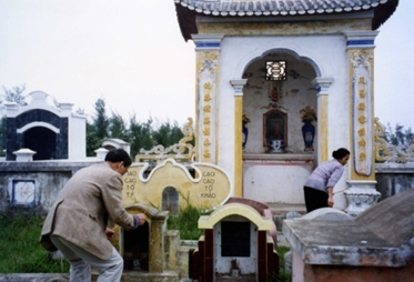(Nghĩa trang mới của Họ Trần- Ảnh 1997)